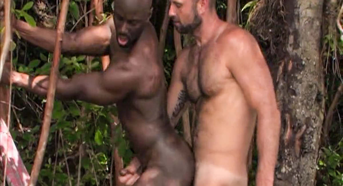 Tempting Gay Sex From Two Studs
