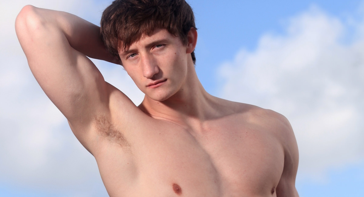 Gay Solo Masturbation : Lance Alexander on the Beach - Lance Alexander!