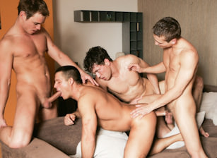 Julian Vincenzo Watches Glen Santoro, Joe Donovan, Jose Scott And Adam Kubick Fuck