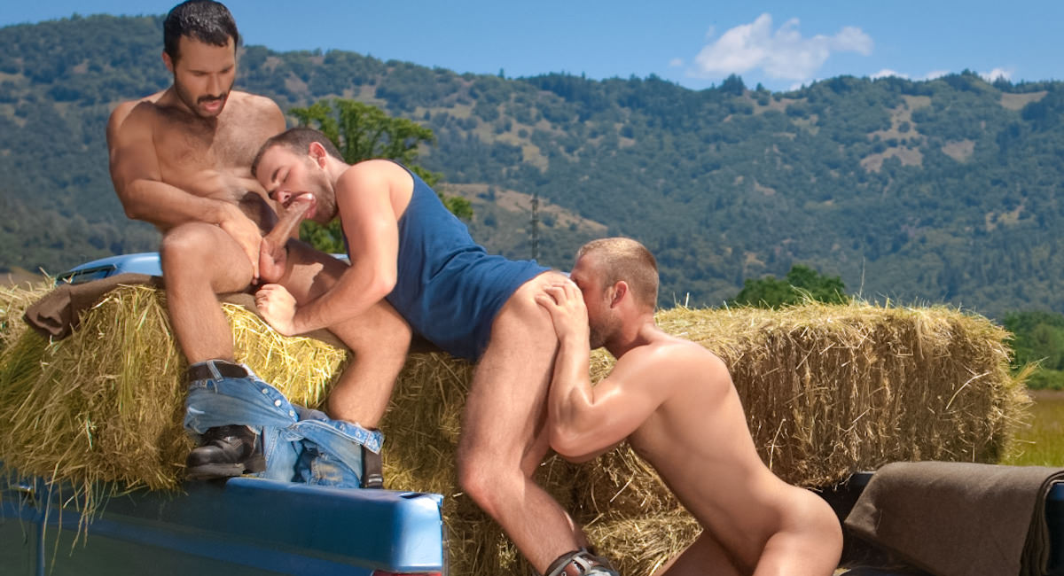 Gay Amateur Sex : MEMBERS BONUS - Cowboys part 1 - Tom Wolfe -amp; Parker Perry -amp; Aybars!