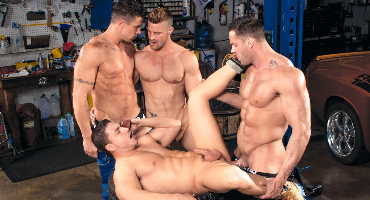 Gay Videos XXX : MEMBER BONUS - Body Shop - Marc Dylan -amp; Erik Rhodes -amp; Trenton Ducati -amp; Landon Conrad!