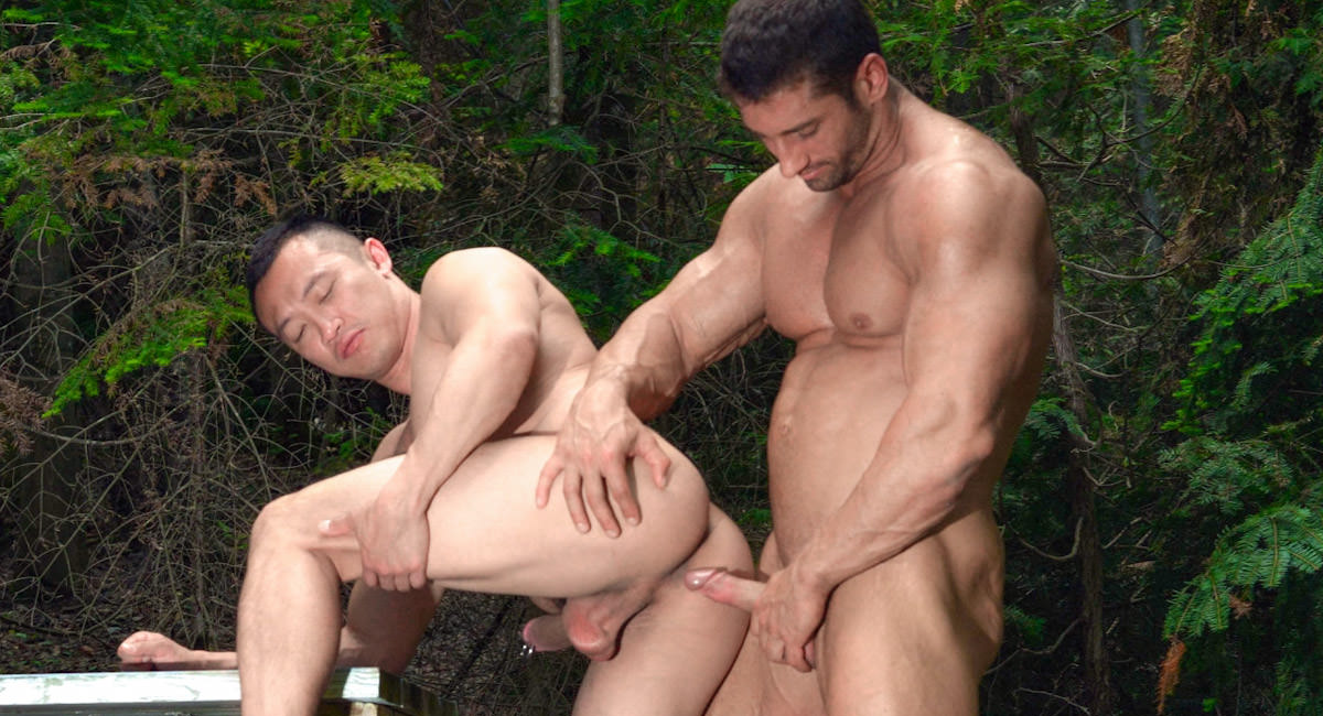 Gay Mature Men : Gagging on the Lumberjack - Archer Quan -amp; Christian Power!