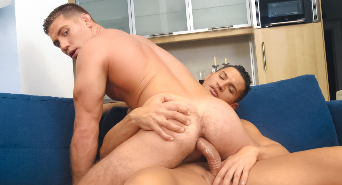 Gay Muscle Men : Jose Ganatti Fucks Rick Bauer - Jose Ganatti -amp; Rick Bauer!