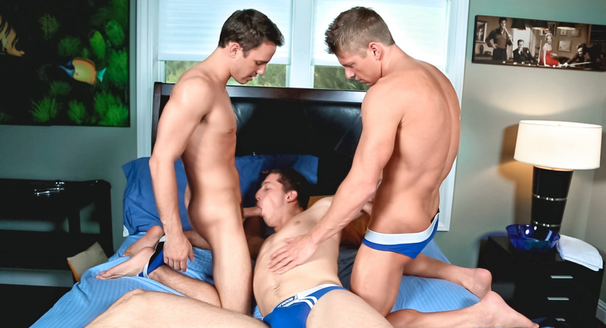 Gay Muscle Men : Double Dosage - Cole Christiansen -amp; Conner Hastings -amp; Drake Tyler!