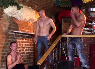 Punks Vs Skinheads, Scene #02