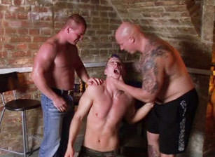 Punks Vs Skinheads, Scene #03