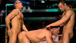 Asylum : Erik Rhodes, Rod Daily, Ty Colt