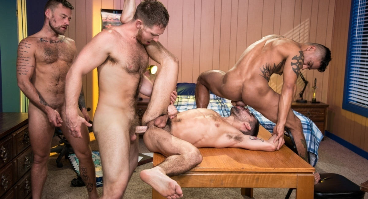 Raging Stallion: Spencer Whitman, Hoytt Walker, Xavier Huxx & Ty Mitchell - Gaymers