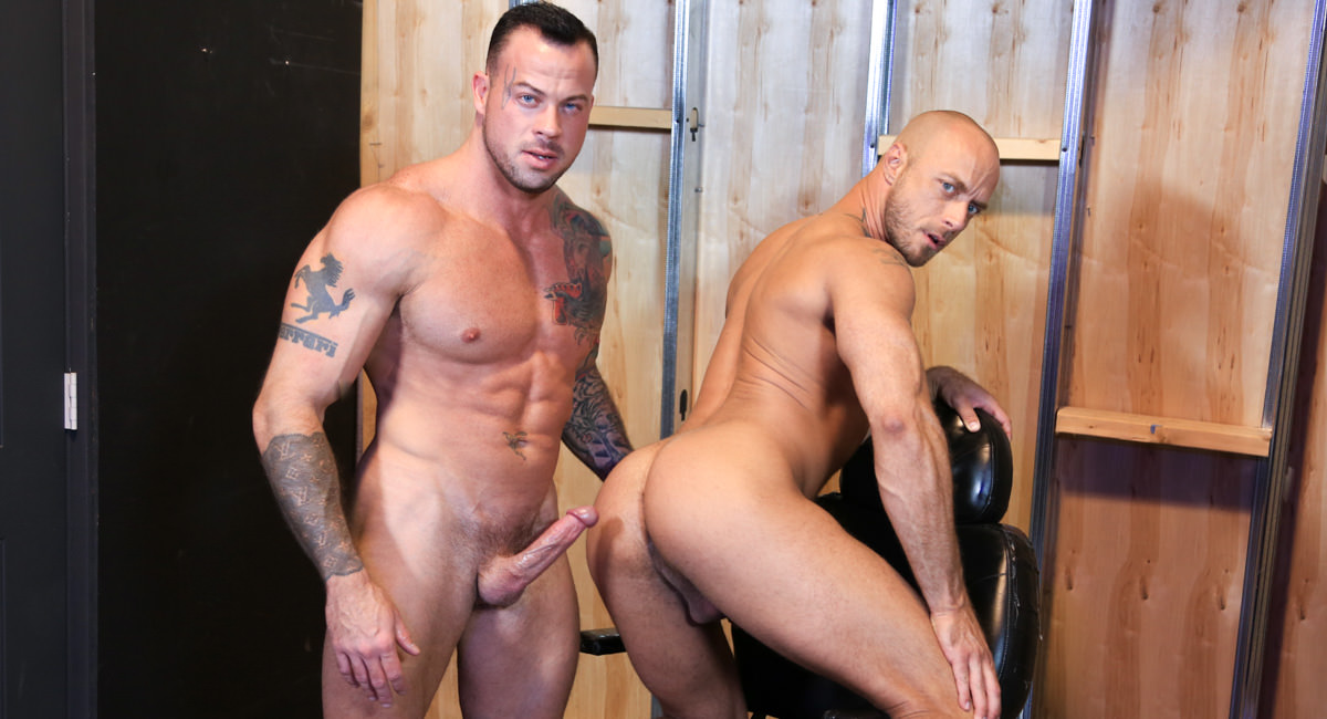 Men Over 30: Jessie Colter & Sean Duran - Playroom Fuckers