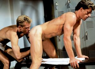 Mark Andrews, Sean Carrera